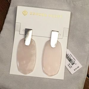 NWT Kendra Scott Pink Aragon Earrings